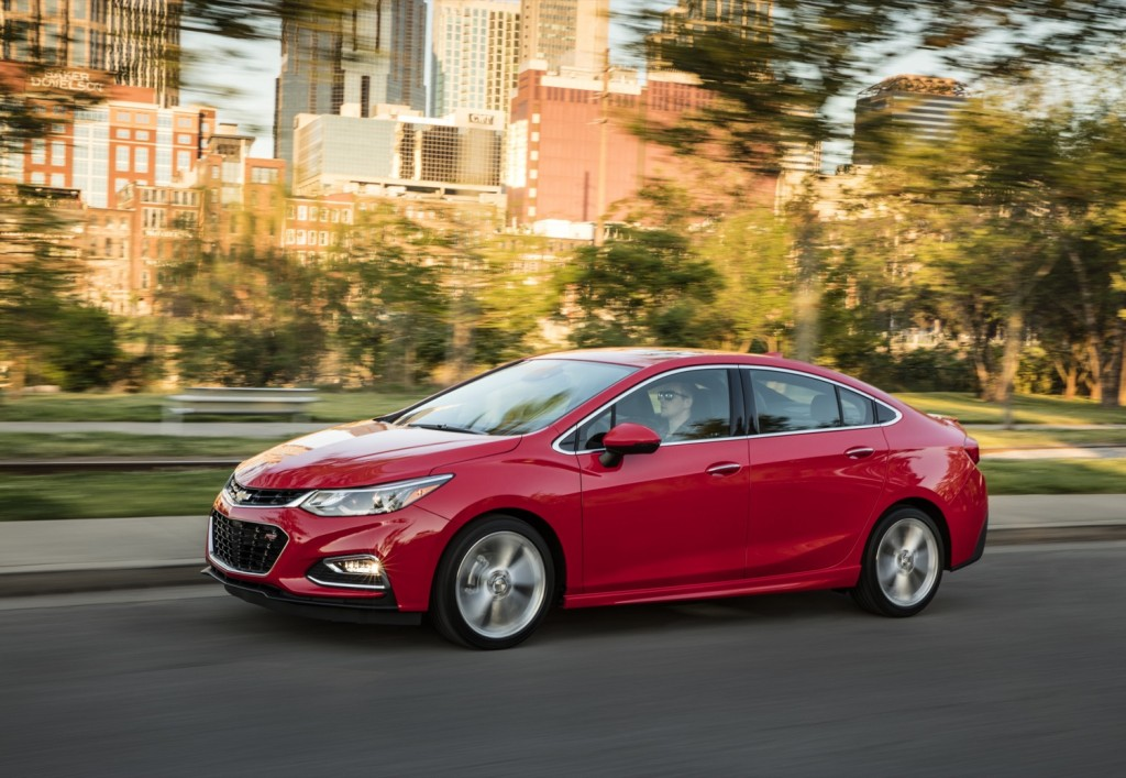 Cruze Control New Chevy Sel Sedan At 52 Mpg Highway Owns A Top Spot In Fuel Economy Race
