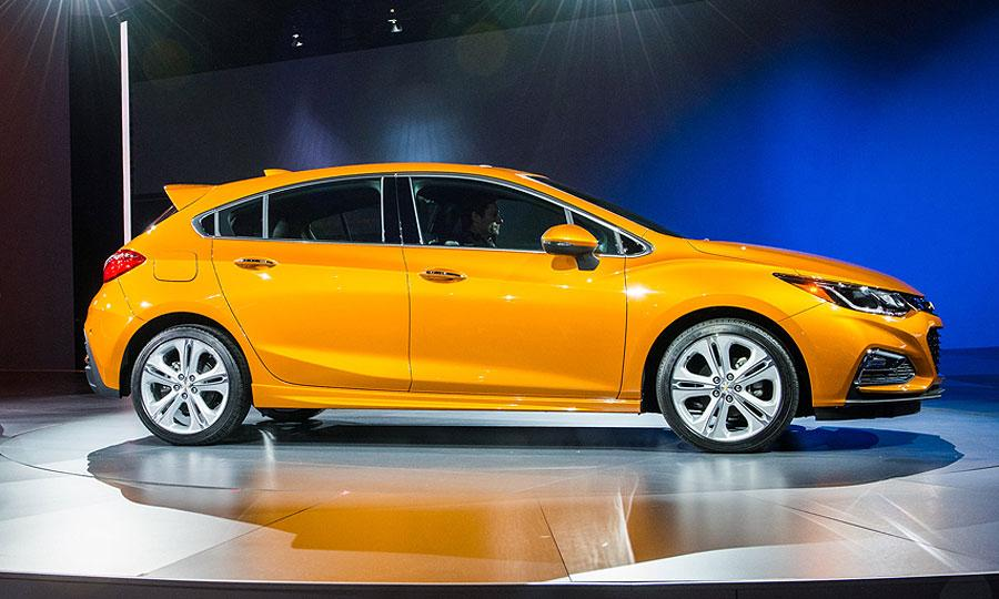 Chevy Cruze Diesel Hatchback May Claim Highway Mpg Crown